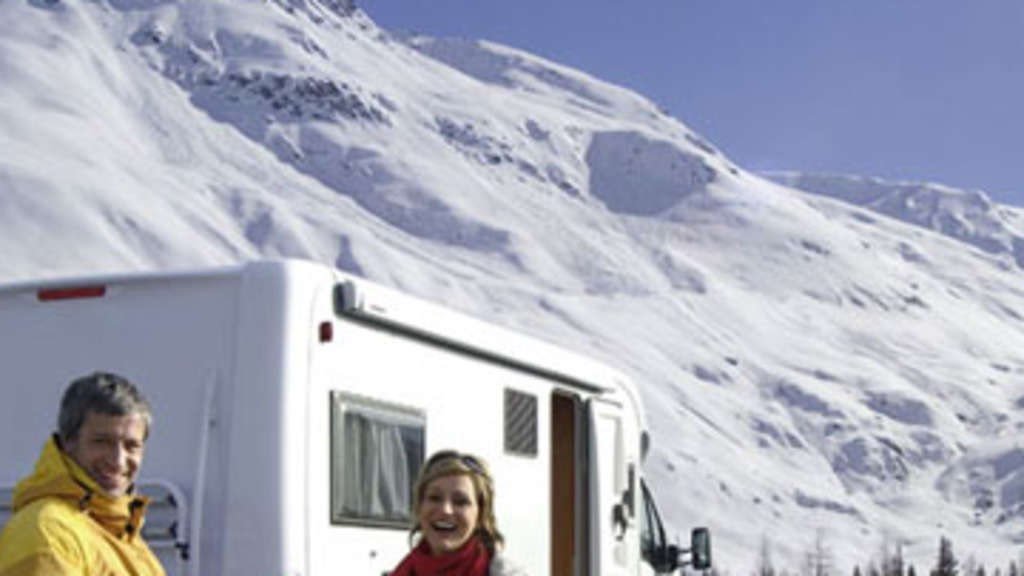 Winter Ski Camper Reisemobil Stellpatz