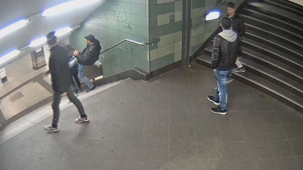 Berliner U-Bahn-Treter krankenhausreif geprügelt