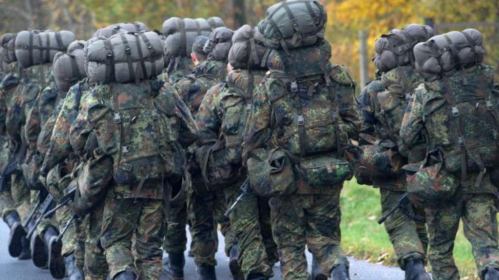 Wehrpflicht: CDU-Politiker fordern eine Rückkehr des Militärdienstes