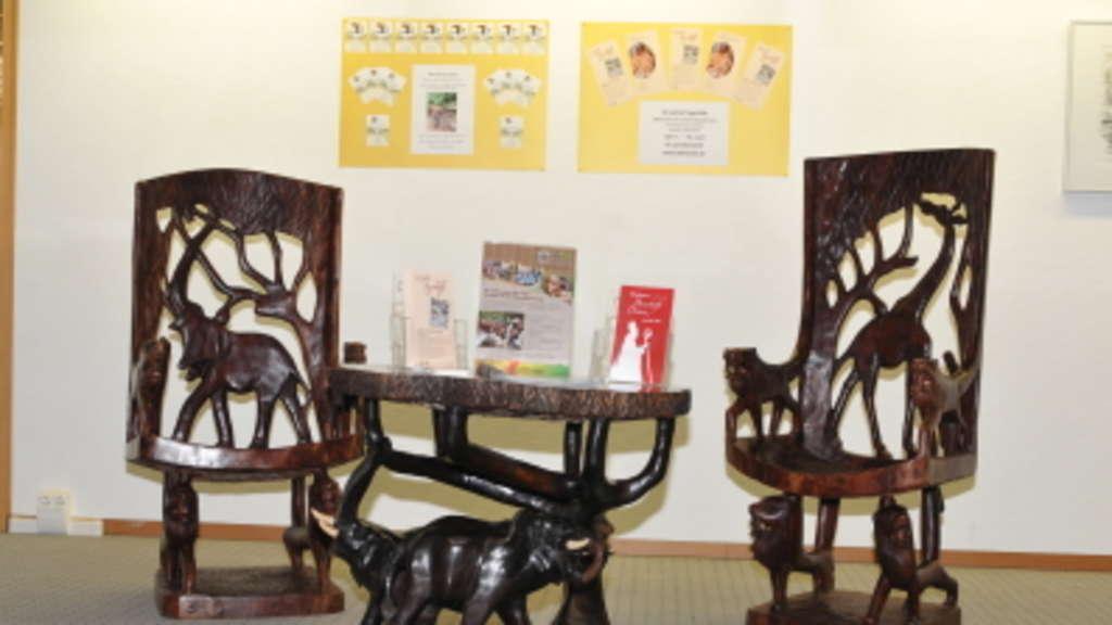 Afrikanische Möbel 30 jahre pit togohilfe maisach - bischof wird erwartet