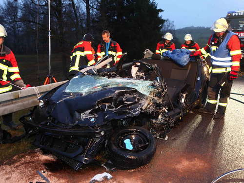 Frontal-Crash auf B472