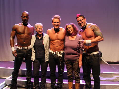 Chippendales heizten Frauen in GAP ein