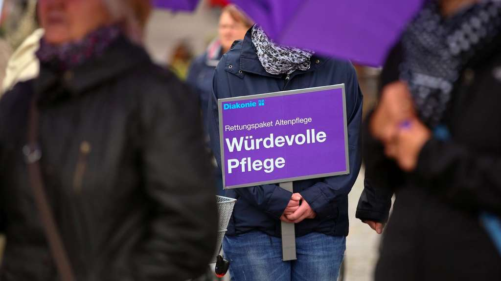 Demonstration, Pflege, Diakonie