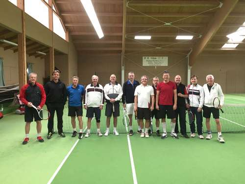 Puchheims Tennis-Cracks auch im Winter aktiv