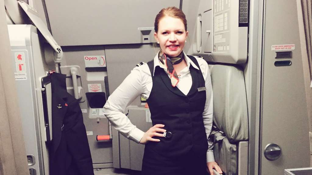 Nina Brunovskis ist Stewardess aus Leidenschaft bei Swiss International AirLines. Sie plaudert im Interview ein wenig aus dem Nähkästchen über ihren Flug-Alltag.