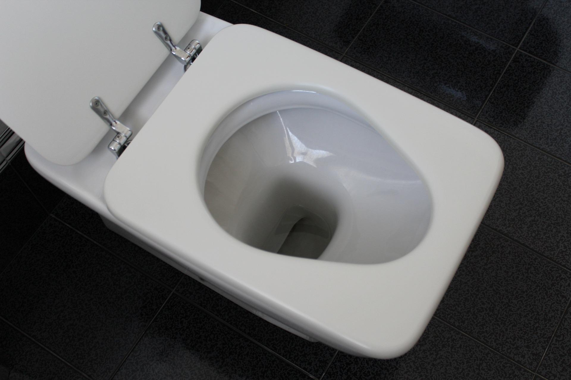 so werden sie braune ablagerungen in der toilette im nu los wohnen. Black Bedroom Furniture Sets. Home Design Ideas