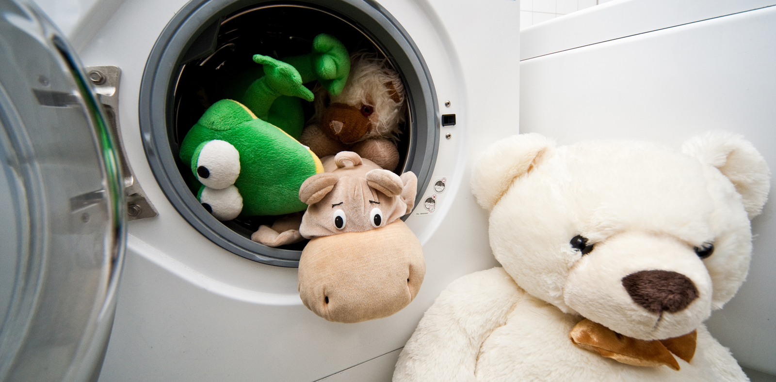 wie entsorge ich eigentlich meine waschmaschine richtig. Black Bedroom Furniture Sets. Home Design Ideas