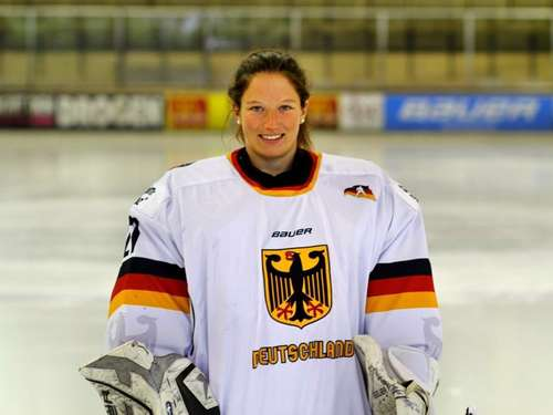 Nationaltorhüterin Franziska Albl sichert den Kasten der Riverkings