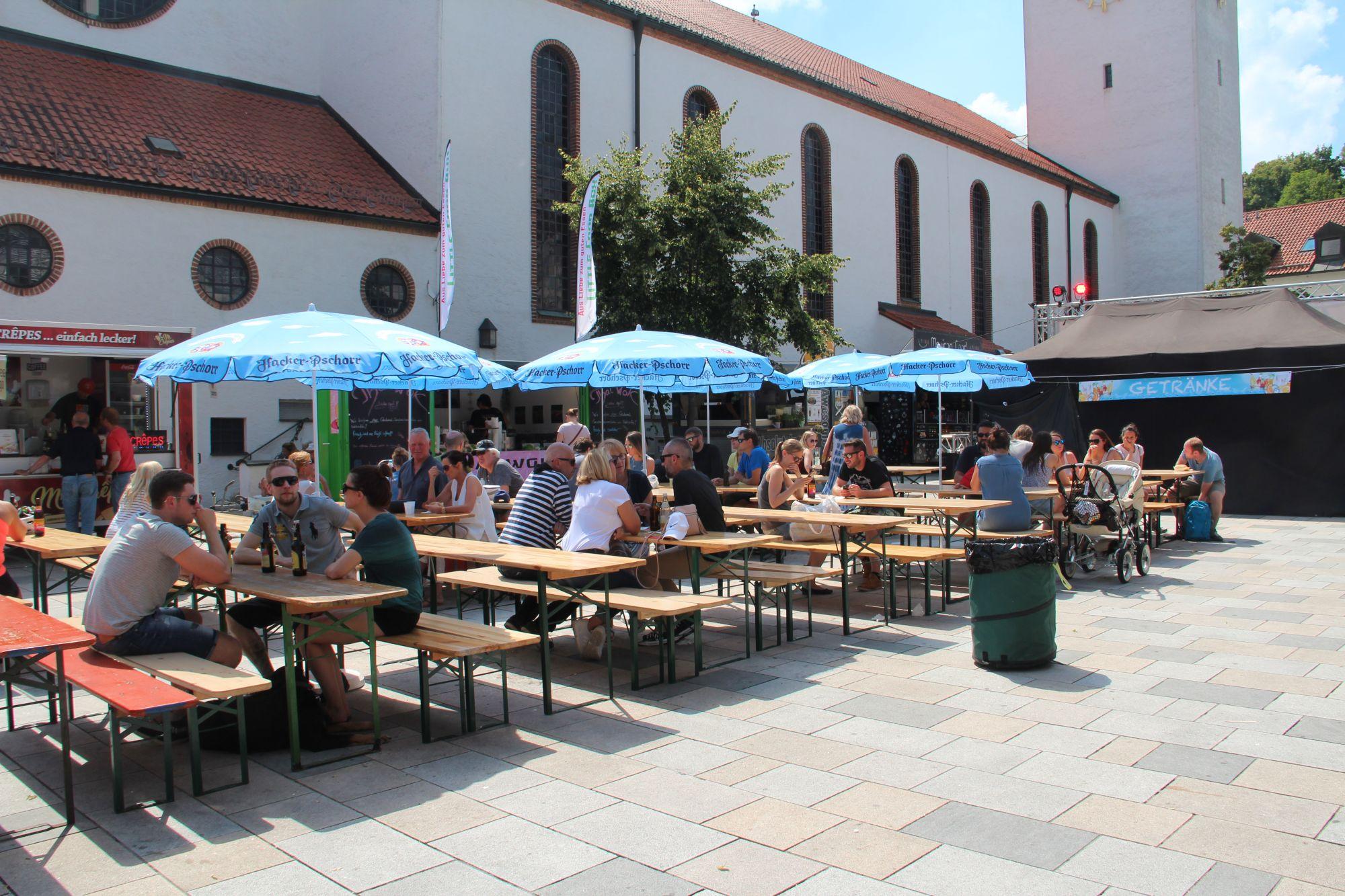 frisches und leckeres essen beim zweiten streetfood festival auf dem starnberger kirchplatz. Black Bedroom Furniture Sets. Home Design Ideas