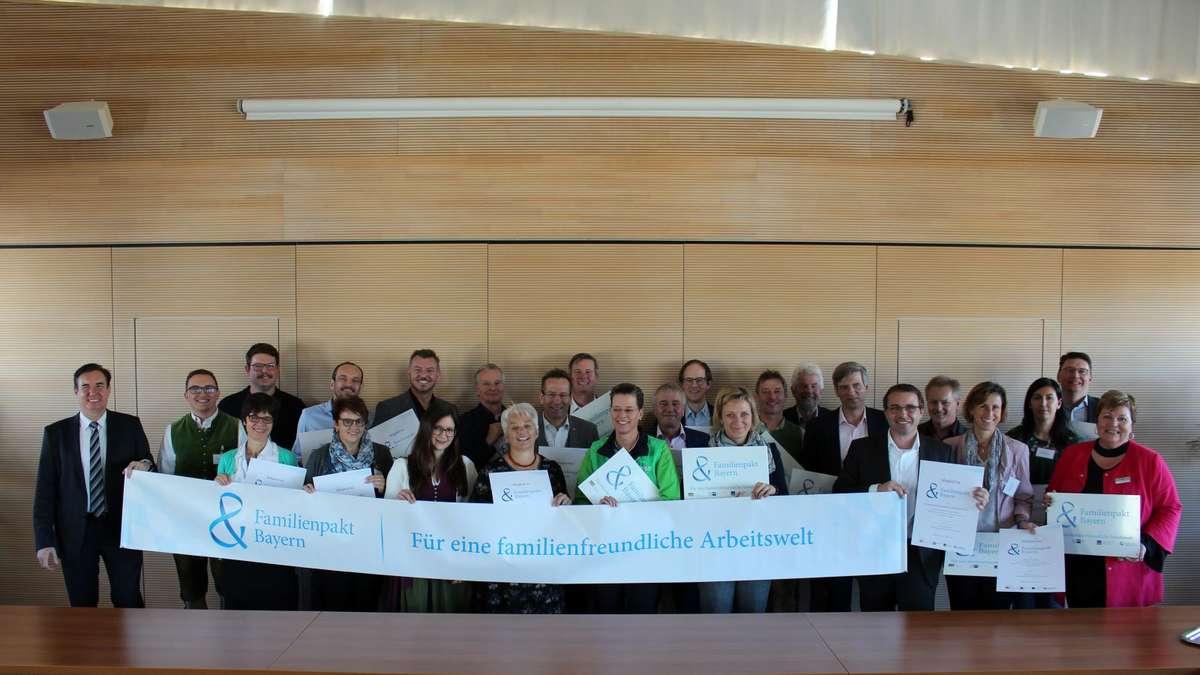 Familienpakt Bayern begrüßt 17 neue Mitglieder aus Weilheim-Schongau   Weilheim - kreisbote.de