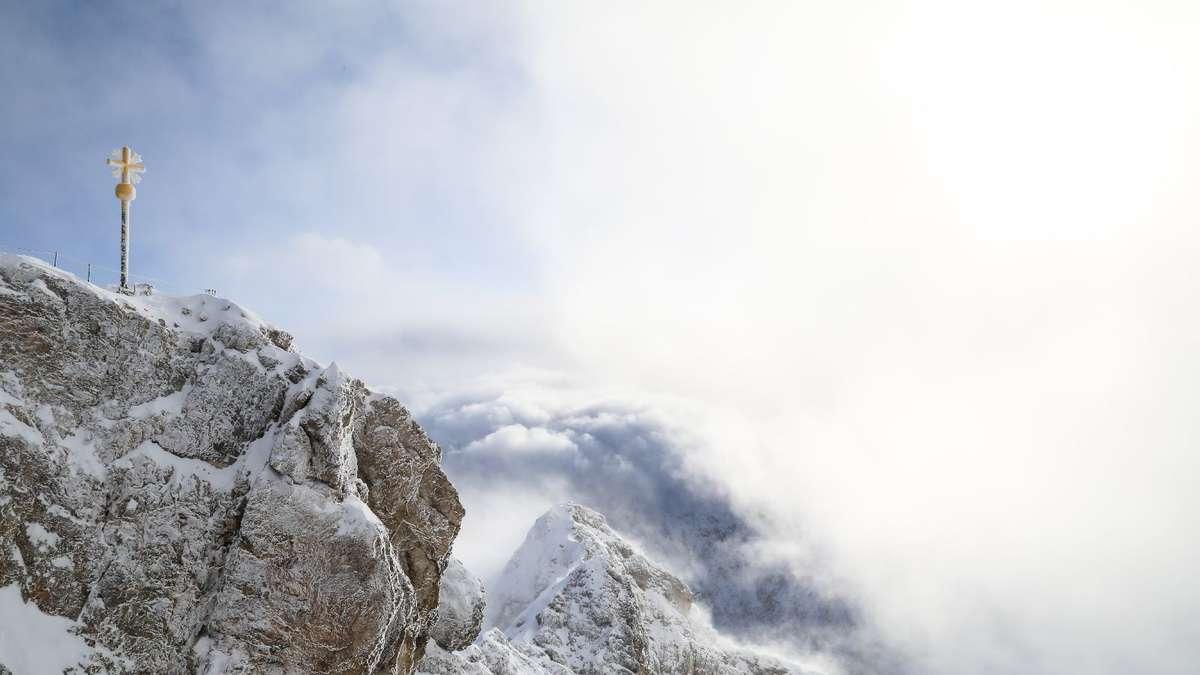 Großer Andrang am ersten Skiwochenende auf der Zugspitze - Kreisbote