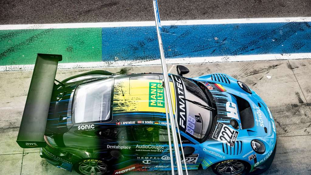 Der Porsche 911 GT3 des Allied Teams vor dem Crash im Pre-Qualifying.